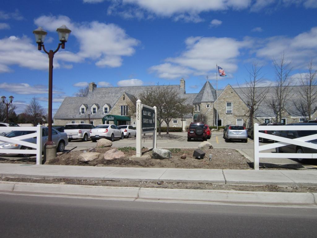 Farmington hills michigan homes for sale and real estate for Oak glen park
