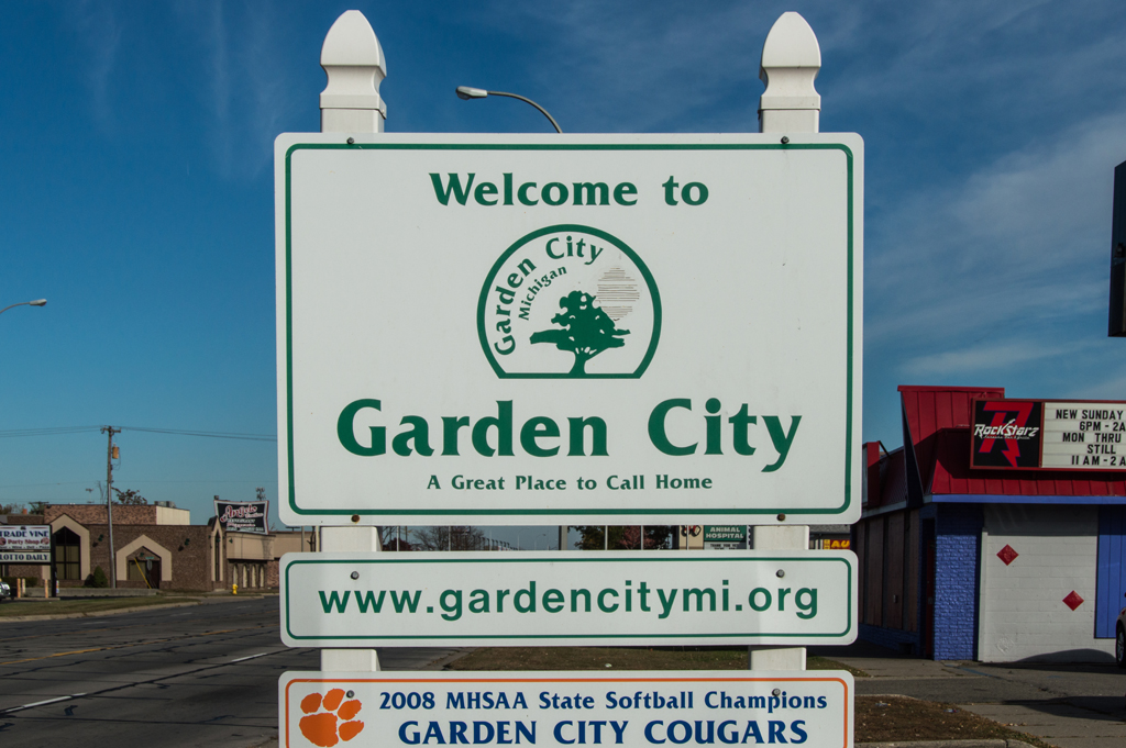 Garden City Michigan Home and Real Estate Info
